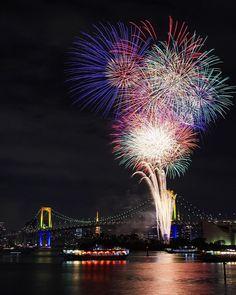 «冬の花火もいいもんだ♪撮れたてほやほやです^ ^ #花火 #japan #japanfocus #レインボー花火2015 #igersjp #instagramjapan #LOVES_NIPPON #lovers_nippon #東京カメラ部 #お台場 #tokyo #team_jp_東»
