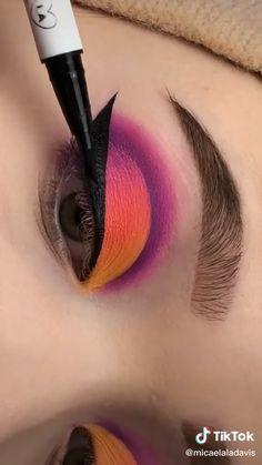Bright Eye Makeup, Makeup Eye Looks, Colorful Eye Makeup, Eye Makeup Art, Skin Makeup, Eyeshadow Makeup, Rainbow Makeup, Cat Eye Makeup Tutorial, Graphic Makeup