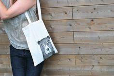 DIY-pakket van TODIY! JONA tote bag bestempelen met linoleum stempel Diys, Reusable Tote Bags, Van, Bricolage, Vans, Do It Yourself, Fai Da Te, Diy