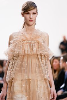 Chloé Spring 2013 Ready-to-Wear - Details - Gallery - Style.com #fashion #details