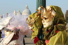 Carnaval de Venise 2011 : Costumes et masques « allégoriques »