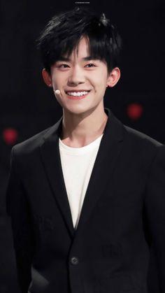 Dịch Dương Thiên Tỉ Chinese Bride, Chinese Boy, Ulzzang, Jackson Yi, My Big Love, My Youth, Handsome Boys, Celebs, Celebrities