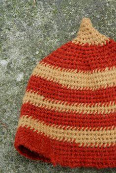 naalbinding cap york stitch  http://rekodzielnica.blogspot.com/