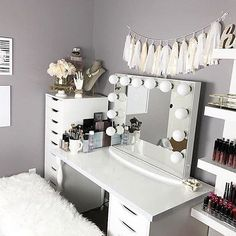 In LOVE with this beauty space by @elloitsmongiee