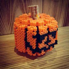3D Jack-o-Lantern - Halloween perler beads by soyake.nahte