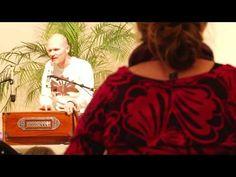 Krishna Kirtan - Mantra Chanting in Praise of Shiva. More Infos on http://my.yoga-vidya.org/video/krishna-kirtan-mit-kai-und-gauranga
