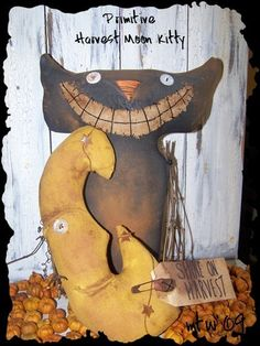 ON SALE......PRIMITIVE HARVEST MOON KITTY