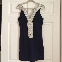 Lilly Pulitzer Shift Dress Beautiful VALLI Shift Dress from Lilly. True Navy Blue in colour. Worn ONCE, so it is practically Brand New and PERFECT for the summer. Smoke free home. Lilly Pulitzer Dresses Midi