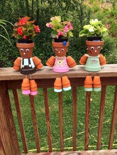 50 Creative Container Gardening Flowers Ideas Decorations - All About Clay Pot Projects, Clay Pot Crafts, Diy Garden Projects, Garden Crafts, Flower Pot Art, Clay Flower Pots, Flower Pot Crafts, Flower Pot People, Clay Pot People