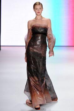 Carolina Herrera Fall 2011 Ready-to-Wear Fashion Show - Juju Ivanyuk