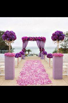 Resultado de imagen de decoracion floral de carnaval para recepcion en hoteles