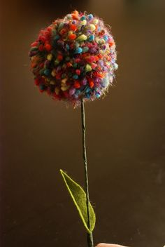 Pom Pom Flower -- I love this for it's simplicity. Very nice.