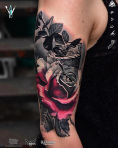 Half black and grey, half color tattoo - Tattoos Life Large Tattoos, Great Tattoos, Beautiful Tattoos, New Tattoos, Girl Tattoos, Tattoos For Women, Badass Tattoos, Body Art Tattoos, Sleeve Tattoos