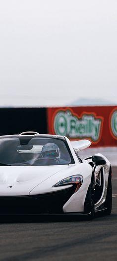 (°!°) McLaren P1 at track practice