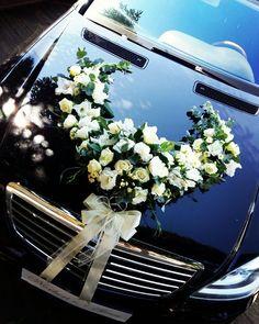 Hochzeitsauto Source by HochzeitsundBrautfotos – Nov Wedding Getaway Car, Dream Wedding, Car Wedding, Wedding Card Wordings, Wedding Cards, Kerala, Wedding Bouquets, Wedding Flowers, Dog Car Accessories