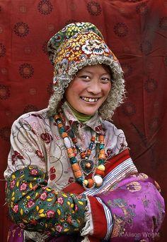 Buddhist pilgrim visiting local monastery in Kham, Tibet. Alison Wright, Costume Ethnique, Tibetan Art, Tribal People, World Cultures, Portrait Photography, Landscape Photography, Travel Photography, Wedding Photography