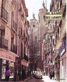 Antigua calle Cesaraugusto  Toda la construcción a la izquierda actualmente desaparecida. Paris Torre Eiffel, Times Square, Street View, Travel, Lost, Retro, Maps, Zaragoza, 19th Century