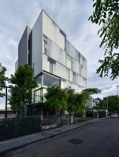 Gallery of Zonic Vision Office / Stu/D/O Architects – 2 – Best Office Architecture Building Exterior, Building Facade, Facade Architecture, Contemporary Architecture, Facade Design, Exterior Design, Small Buildings, Office Buildings, Best Architects