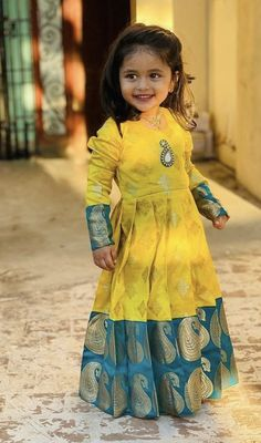 Cute Baby Dresses, Kids Party Wear Dresses, Kids Dress Wear, Designer Party Wear Dresses, Girls Dresses Sewing, Frocks For Girls, Dresses Kids Girl, Baby Girl Lehenga, Kids Lehenga