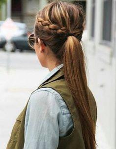 Coiffure cheveux attachés simple hiver 2015 - Cheveux attachés : 30 idées de coiffures chics ou décontractées - Elle