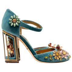 Preowned Dolce & Gabbana Teal Embellished Velvet Cage-heel Pumps (18.380 ARS) ❤ liked on Polyvore featuring shoes, pumps, green, floral pumps, mary-jane shoes, high heeled footwear, multi-color pumps and mary jane shoes