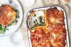 Pumpkin, Spinach and Ricotta Lasagne. A yummy alternative to traditional meat lasagne. A yummy alternative to traditional meat lasagne. New Recipes, Dinner Recipes, Cooking Recipes, Dinner Ideas, Vegetarian Recipes, Greek Recipes, Easy Cooking, Spinach And Ricotta Lasagne, Parmesan