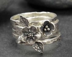 Sterling Flower Rings, Forget Me Not, Bronze, Sterling Silver, Metalsmith Jewelry Anneaux en argent Clay Jewelry, Jewelry Gifts, Fine Jewelry, Handmade Jewelry, Metalsmith Jewelry, Personalized Jewelry, Jewelry Armoire, Irish Jewelry, Yoga Jewelry