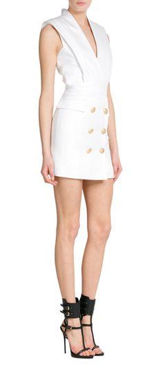 Balmain s'empare de l'esprit marin de la saison avec cette robe smoking extravagante et convaincante ! #Stylebop