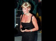 A HERO firefighter who heard Princess Diana's final words has told how he thought he had saved her life by giving her CPR moments after her fatal Paris car crash. Xavier Gourmelon, said the pri… Real Princess, Princess Of Wales, Princess Diana Funeral, Princess Diana Pictures, Brown Hair With Blonde Highlights, Diane, Lady Diana Spencer, Princesa Diana, Glamour