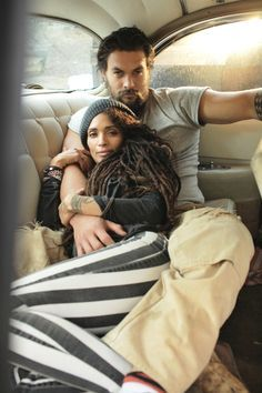 don't they look oh so comfy? Jason Momoa & Lisa Bonet pinned from http://curlyessence.com/