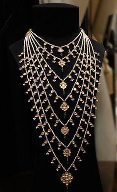 Wedding Jewellery Designs, Wedding Jewelry, Jewelry Design, Diamond Jewelry, Beaded Jewelry, Silver Jewelry, Gold Pendant, Pendant Jewelry, Hyderabadi Jewelry