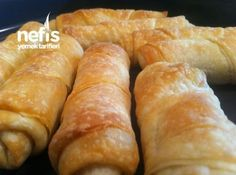 Şaşkın Börek (kendini Açma Börek Sanıyor) Pastry Recipes, Cake Recipes, Turkish Breakfast, Breakfast Items, C'est Bon, Food Design, Hot Dog Buns, Brunch, Food And Drink