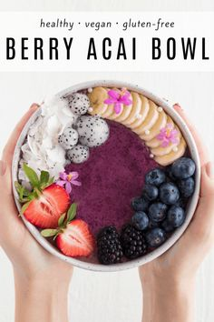 This berry a ai bowl is healthy vegan and contains simple ingredients Learn how to make this acai bowl and you ll be craving it every morning for breakfast acaibowl howtomake berryacaibowl smoothiebowl smoothie Healthy Breakfast Smoothies, Vegan Smoothies, Vegan Breakfast Recipes, Fruit Smoothies, Raw Food Recipes, Smoothie Recipes, Simple Smoothies, Healthy Recipes, Acia Bowl