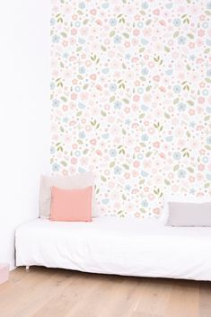 Pretty Flowers in Bloom wallpaper design by Lilipinso #floralwallpaperbedroom #pastelfloralwallpaper