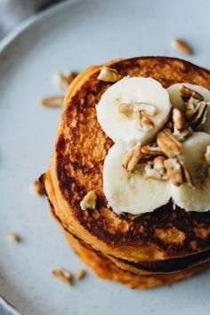 Healthy Sweet Potato Pancakes! Vegetarian, Gluten Free, Dairy Free, easy to make ;) Recipe is on Jar Of Lemons!