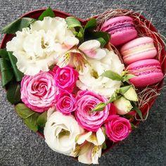 сердце цветы подарок розы свадьба макарунс +380504425029 kiev flowers macaroon gift