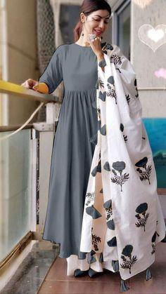 Aaryahi Trendy Rayon Cotton 14 Kg Women's Kurta Sets WhatsApp COD . Indian Fashion Dresses, Pakistani Dresses Casual, Dress Indian Style, Indian Designer Outfits, Frock Fashion, Hijab Fashion, Designer Party Wear Dresses, Kurti Designs Party Wear, Embroidery Designs