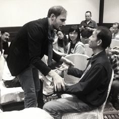 LIVE from the Conversational Hypnosis Professional Hypnotherapy Training event: Day 5! Hypnosis Training Academy Trainer Karsten Küstner helps volunteer BK with a Hypnotic Arm Catalepsy, and after some patience & perseverance he was able to do it. Progress!  #KarstenKüstner #HypnosisTrainingAcademy #LiveEvents #training #hypnosis