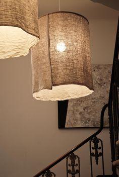 Burlap lampshade http://mechantdesign.blogspot.fr/2012/12/the-big-lamp.html?m=1