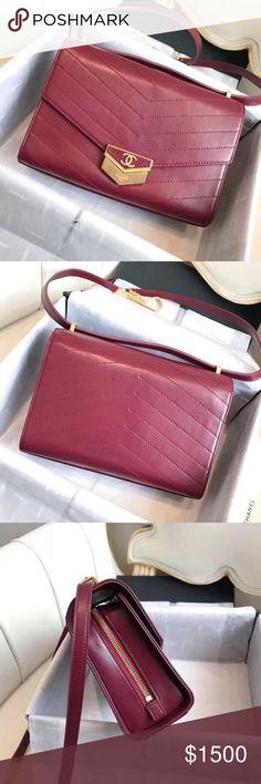 $300 Chanel bag Hi,d