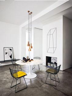 Saarinen Womb Chair by Knoll International | Architonic