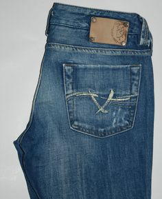 DIESEL CHELA WASH 0070Z STRAIGHT LEG FADED BLUE LOW RISE W 29 L 29 MADE IN ITALY