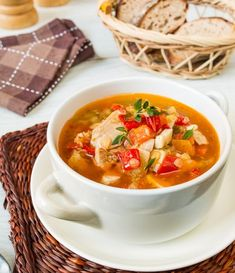 Суп из курицы с красной чечевицей и перцем
