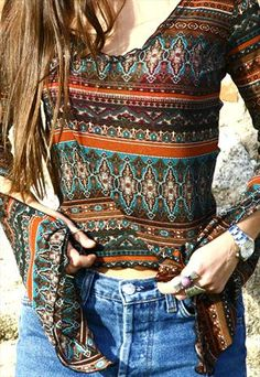 VINTAGE 90S FLARED LONG SLEEVE HIPPIE SHIRT