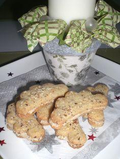 Christmas Cookies, Food And Drink, Baking, Kitchens, Biscuits, Xmas Cookies, Christmas Crack, Christmas Biscuits, Bakken