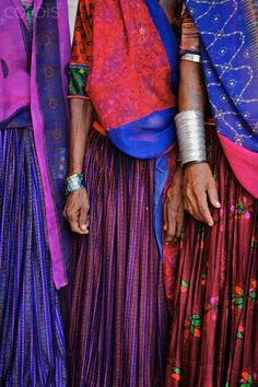 Rajasthan Colors, The colors of India are a great inspiration for me in my work. Spices, silk fabrics, inlaid furniture have been making its way into our culture for centuries. We Are The World, People Of The World, Goa India, Saris, Elizabeth Mcgovern, Amazing India, India People, Indian Textiles, Costume