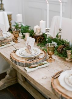Wedding table decorations - 88 unique ideas for your party - table decoration wedding autumn decoration tree trunk slices rustic table decoration wedding autumn -