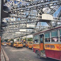 Indian Aesthetic, City Aesthetic, Asia City, Vintage India, Buddha Meditation, West Bengal, Beautiful Morning, India Travel, Kolkata