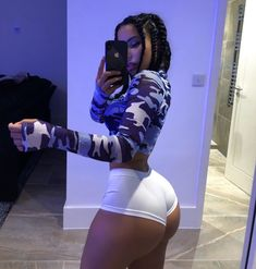 body and girl image Girl Outfits, Cute Outfits, Thick Body, Slim Thick, Body Motivation, Body Inspiration, Autumn Inspiration, Beautiful Black Women, Beautiful Beach