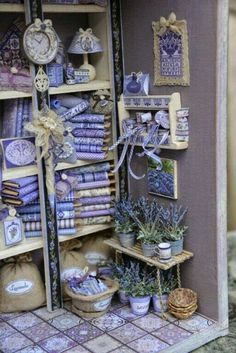 57 New Ideas For Shabby Chic Bedroom Lavender Purple Lavender Cottage, Lavender Blue, Lavender Flowers, Lavender Room, Lavender Crafts, Lavender Aesthetic, All Things Purple, Miniture Things, Shades Of Purple